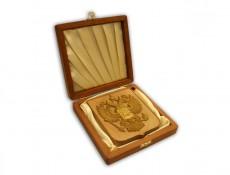 коробка_деревянная_открытая_с гербом